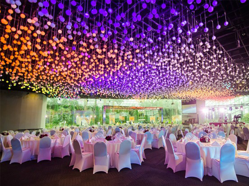 enjoy the singapore culinary experience at the flower field hall nestled within the flower dome at the gardens by the bay flower field hall provides a